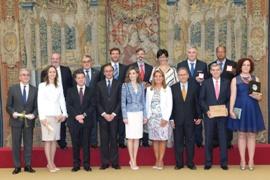 Foto de familia de la entrega de Premios Reina Letizia 2015