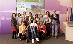 Foto de familia de la presentación de la segunda parte del estudio 'Todos Somos Todos'