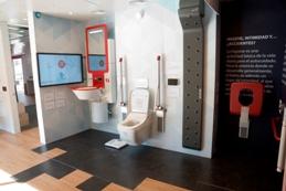 Foto del interior de la casa inteligente, sostenible y accesible de Fundación ONCE y el Real Patronato sobre Discapacidad