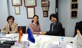 Foto de la firma del convenio entre el Real Patronato y la Fundación CERMI Mujeres