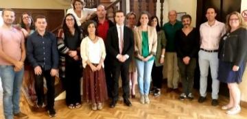 Foto de familia de la reunión del grupo de trabajo encargado de crear estándares de calidad para la incorporación de la lengua de signos española en la televisión