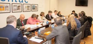Mario Garcés presidiendo el Patronato del CENTAC