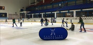 Fotografía de la actividad de patinaje sobre hielo adaptado