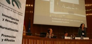 Imagen de la mesa de inauguración del Congreso CNLSE de la lengua de signos española