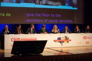 Foto de familia de la inauguración del Congreso CIUD