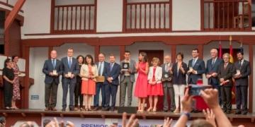 Foto de familia de la entrega de Premios Reina Letizia 2018