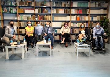 Foto de familia de la presentación del estudio 'Impacto de la pandemia COVID-19 en las personas con discapacidad'